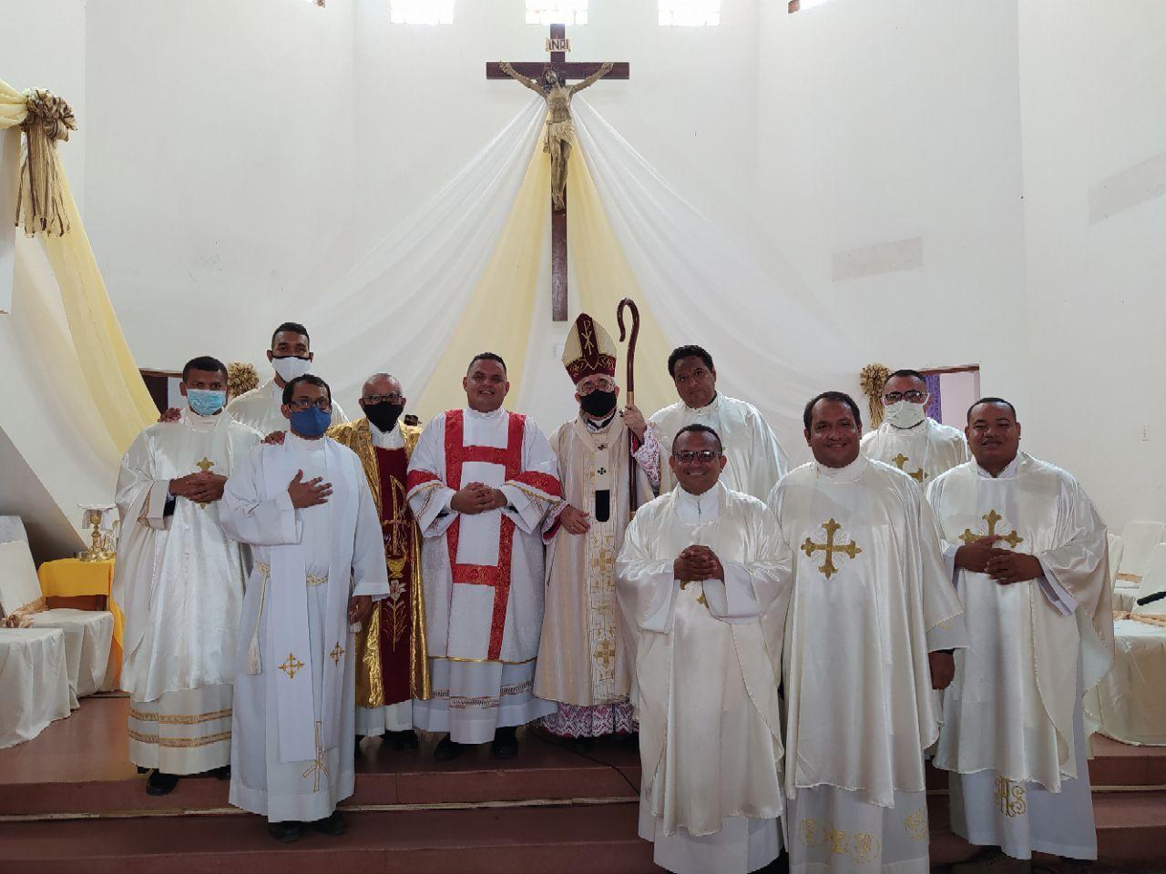 Arzobispo de Coro ordenó nuevo diácono