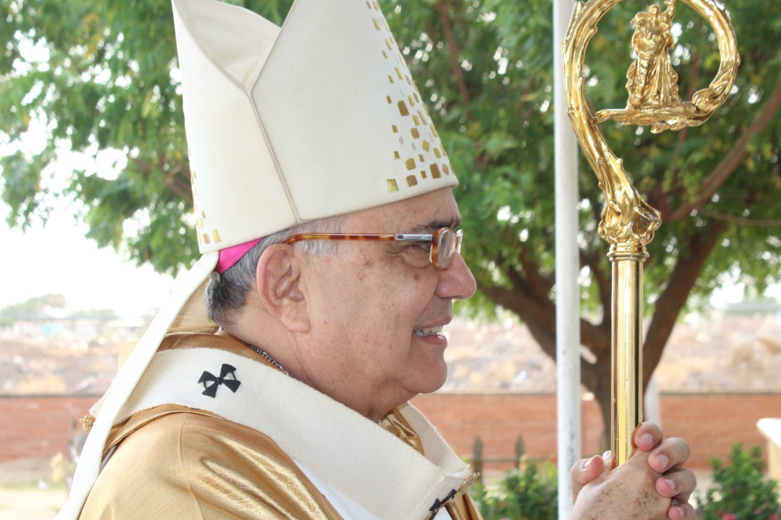 """Arzobispo de Coro: """"Nuestros templos continúan cerrados"""""""